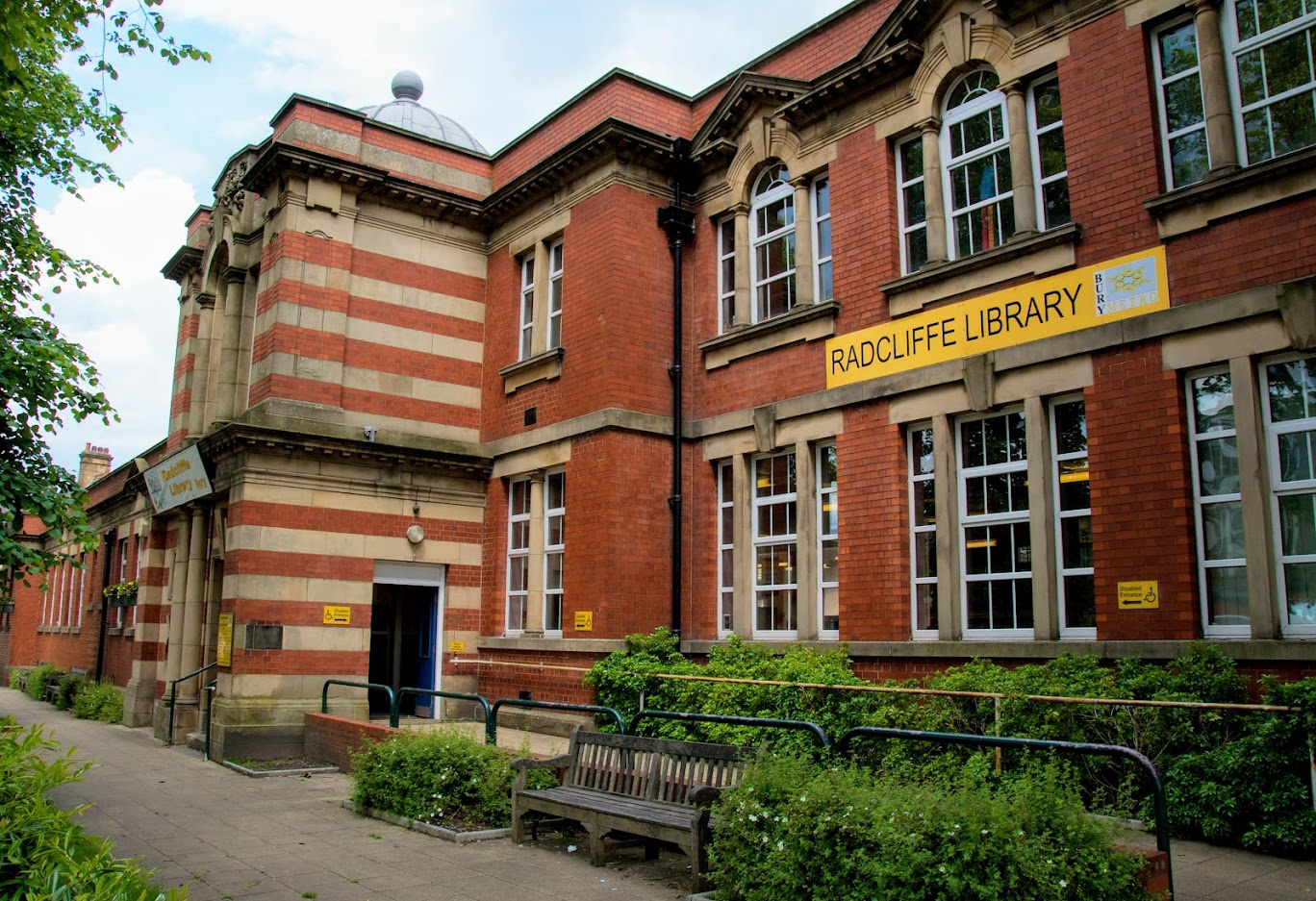 Radcliffe Library from the outside